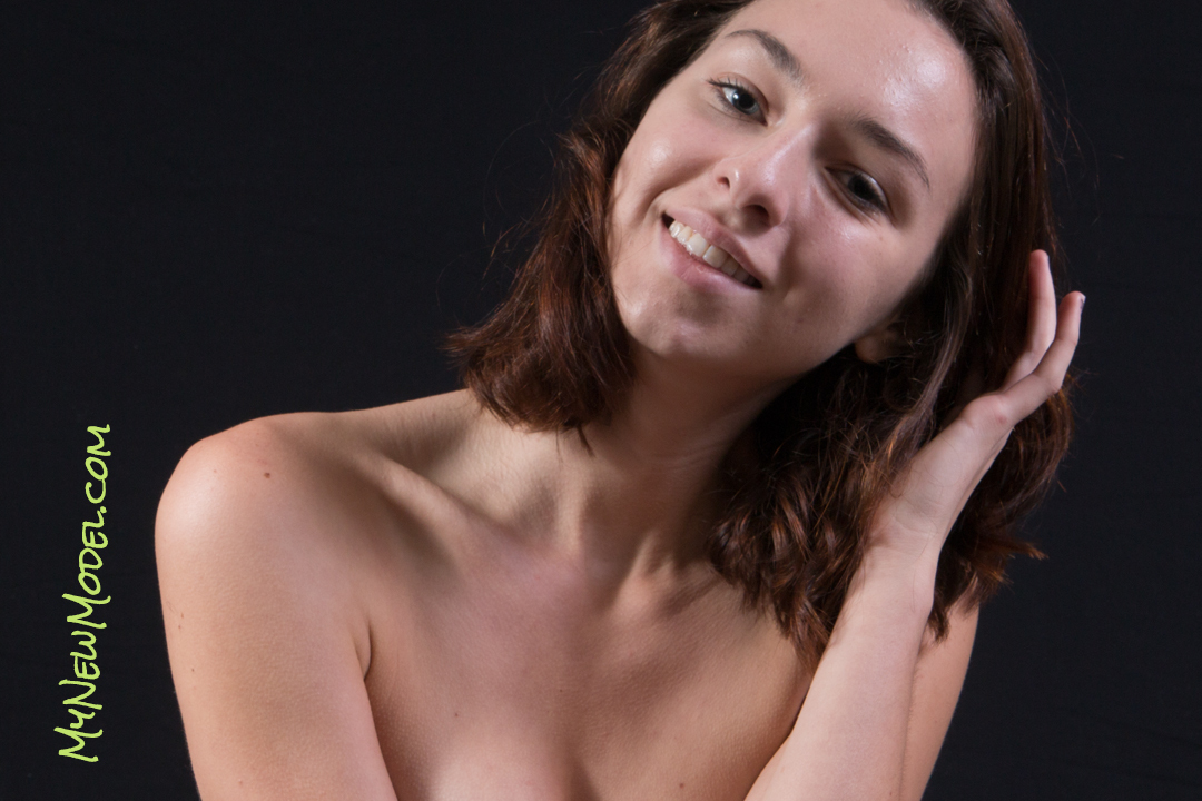 Tia Modeling Implied And Topless