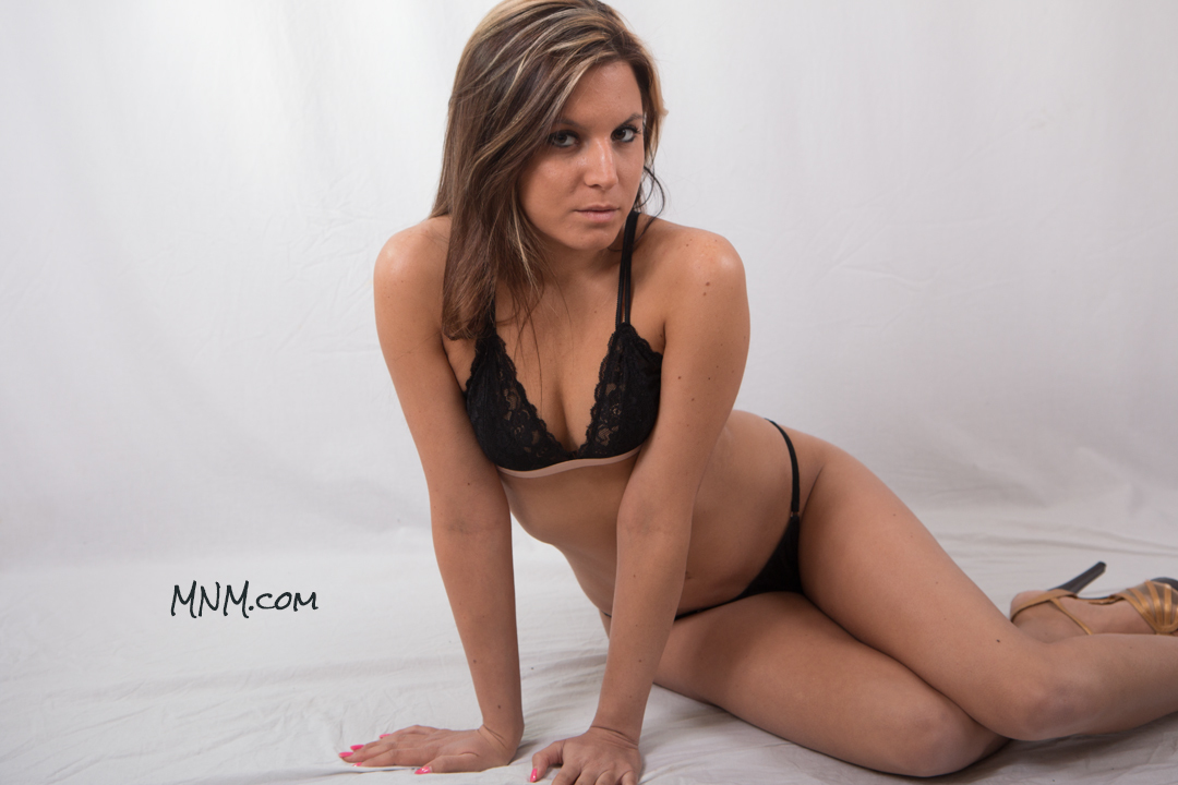 Glamour Model Sarah Russi
